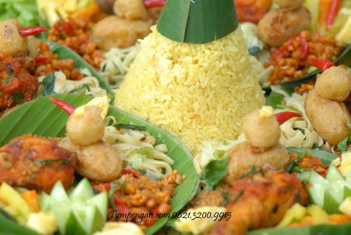 menu nasi tumpeng standar porsi 10 orang