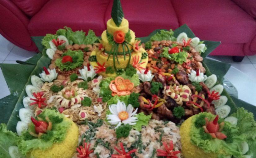 Tumpeng tasyakuran surabaya porsi 30 orang